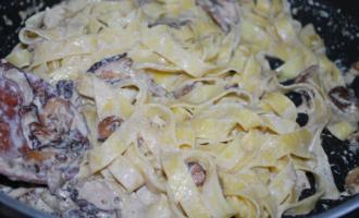 Сливочная паста с белыми грибами